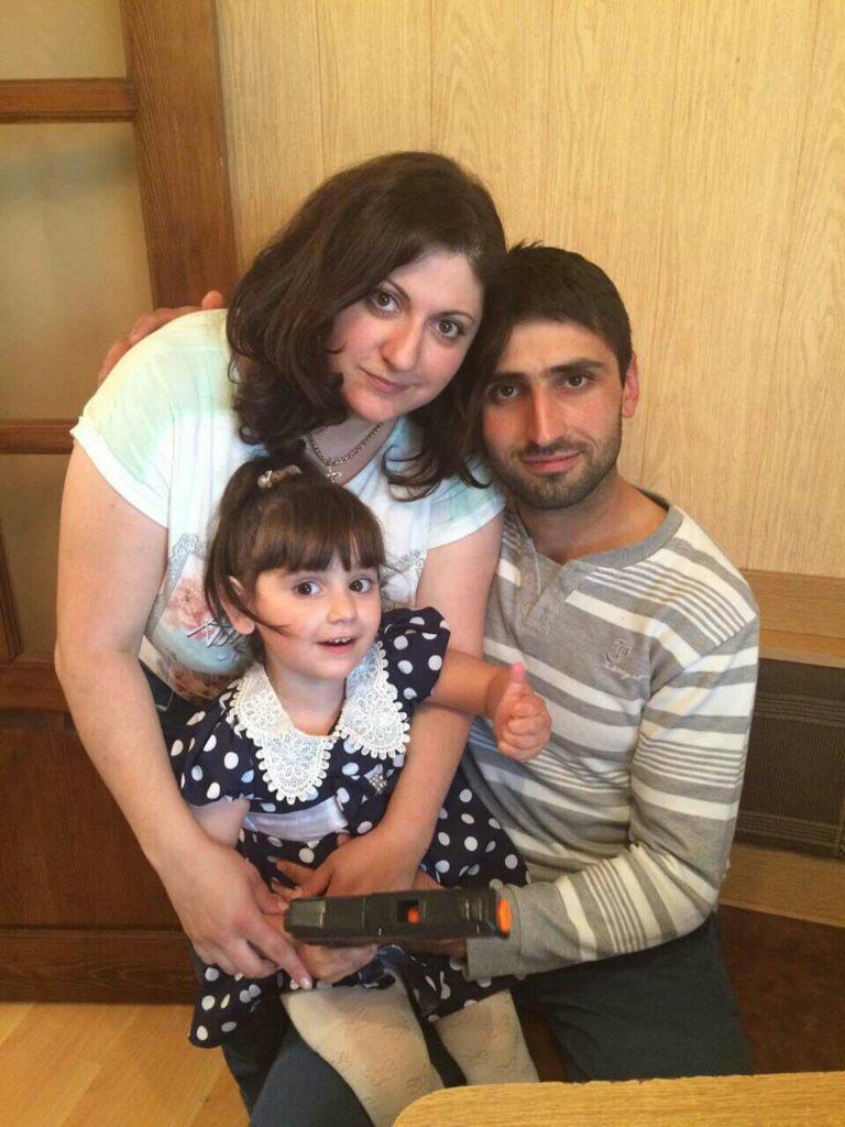 Кристина Билян с мужем и дочкой (2016 год)