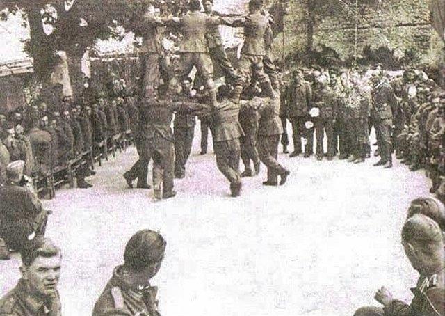 У стен Рейхстага воины-армяне станцевали победный «Кочари».