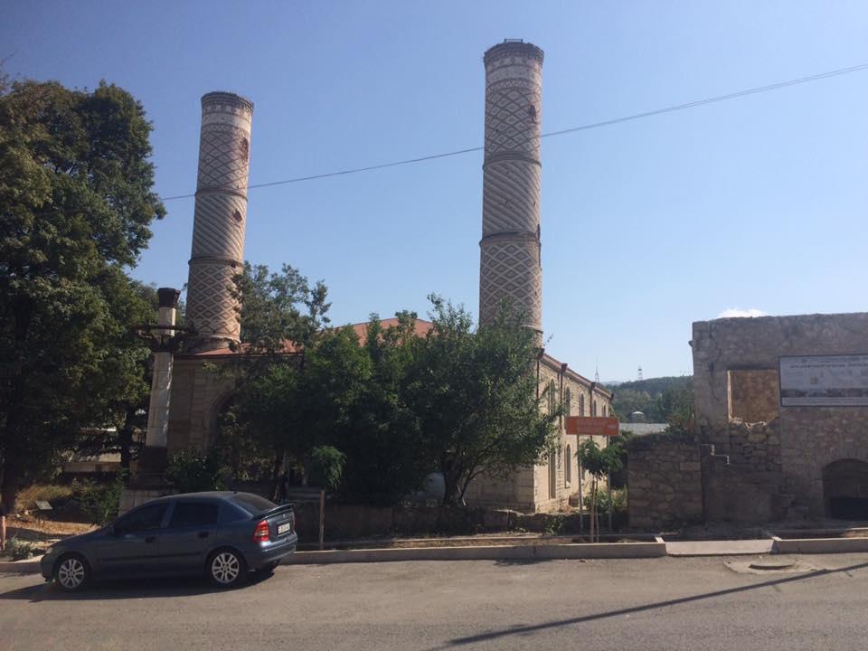 Идут работы и в бывшей главной Верхней мечети города.