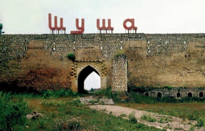 Чтобы понять, зачем было рушить этот древний город, стоит узнать его печальную историю.