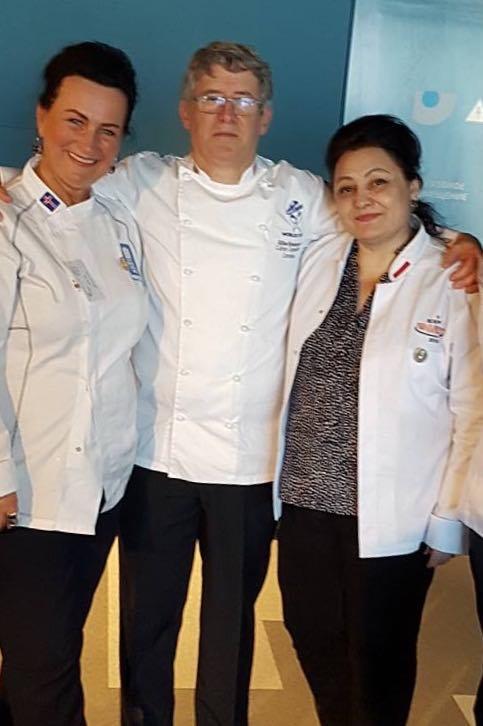 Слева направо: Мария Шрамко (Исландия), Гилл Ренуссон (США) и Искуи Амбарцумян