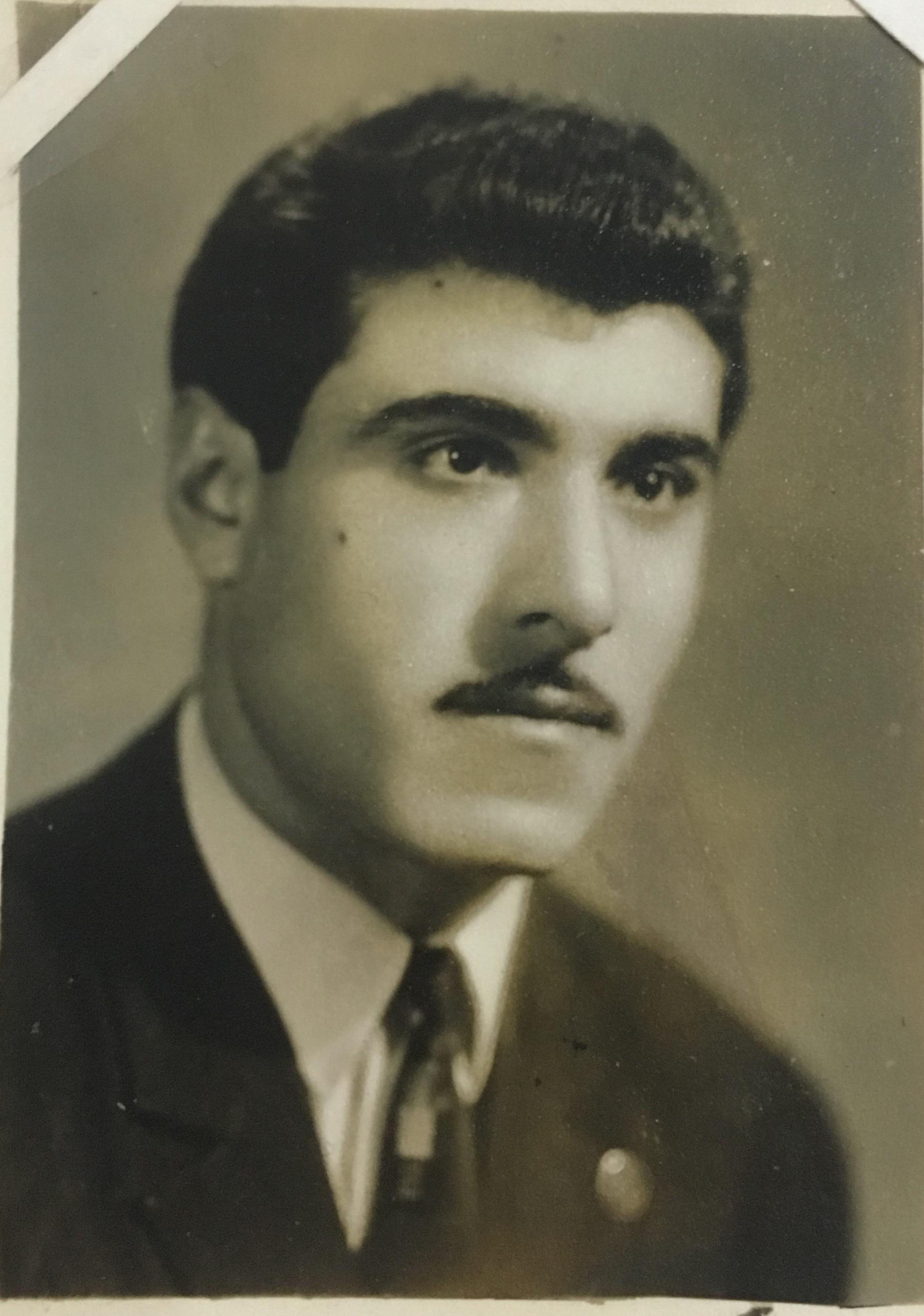 Папа Каринэ Акопян