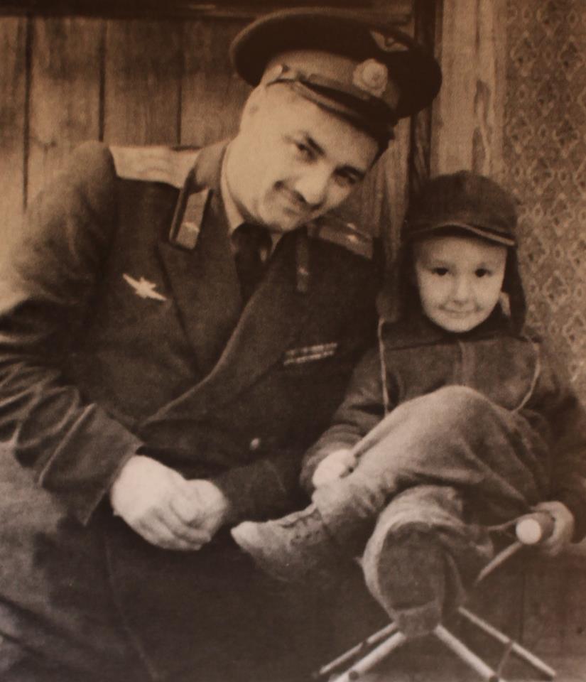 Алексей Микоян с сыном Стасиком